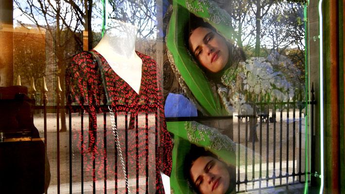 Mannequins & vidéo, Jardins du Palais Royal, 75001 Paris, F,