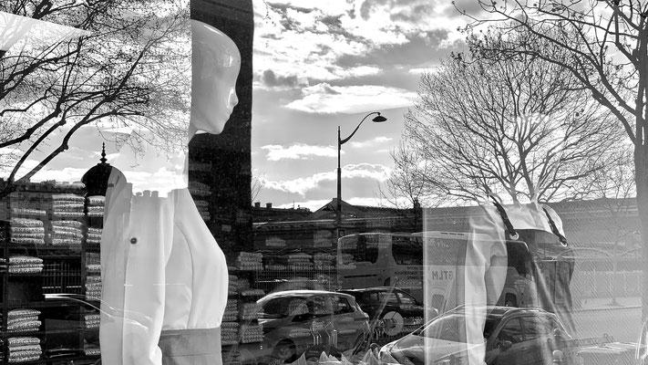 Mannequins, vitrine, Ets Bragard, Fb Saint Martin, 75010 Paris, F,