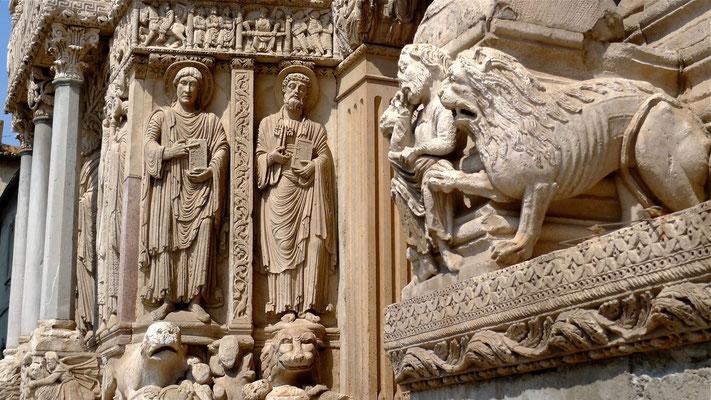 Détail, Portail de l' Eglise Saint Trophime, Place de la République, Arles, F,  P1110669.JPG.jpg