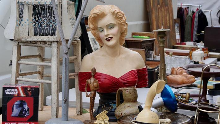 Mannequin, Brocante, rue de Bretagne 75003 Paris, F,