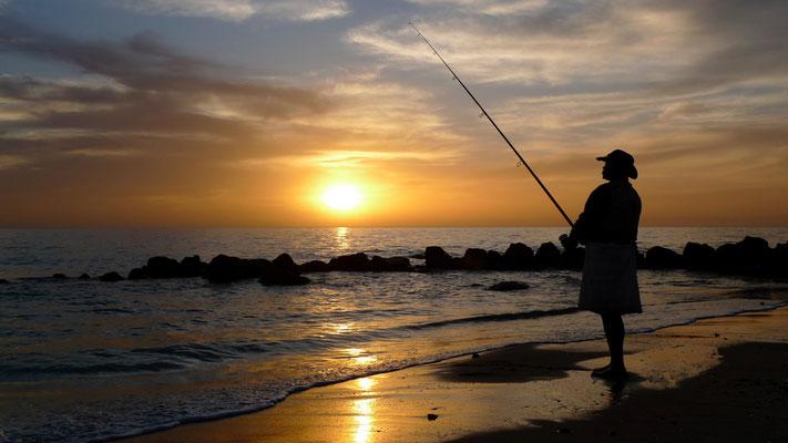 Pécheur,  Sunset, La Somone, Sénégal, Sn, P1050159.JPG.jpg