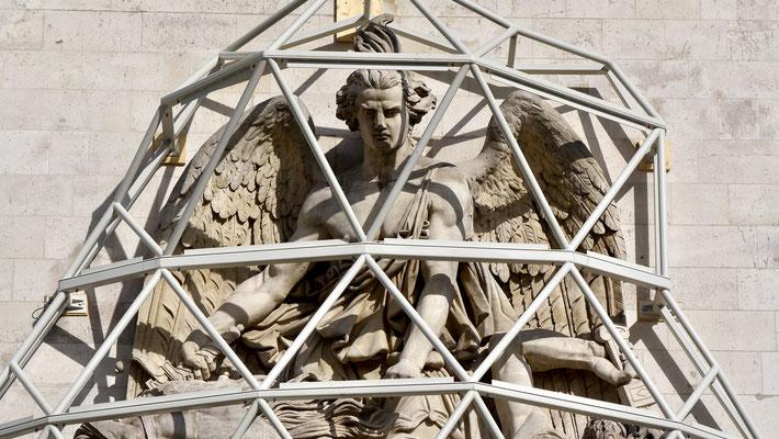 Christo - Emballage de l'Arc de Triomphe, 75008 Paris, F,