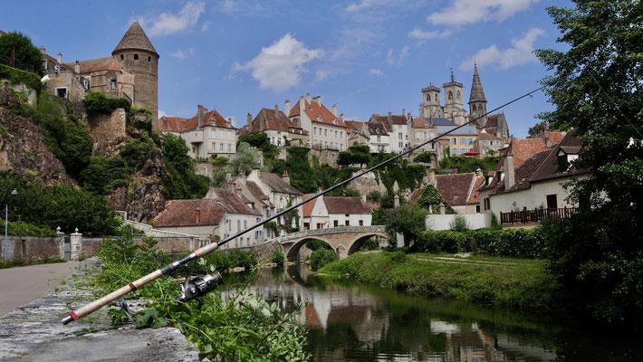 Canne à pêche, Semur en Auxois, Bourgogne, F,