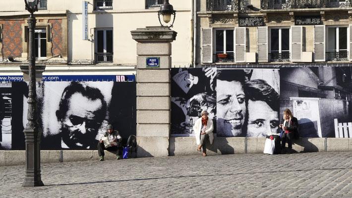 Parvis de la gare Saint Lazare, Paris, F,