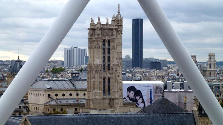 Publicité sur Conciergerie, Tour Saint Jacques,  depuis Centre Beaubourg, 75004 Paris, F,  P1000595.JPG
