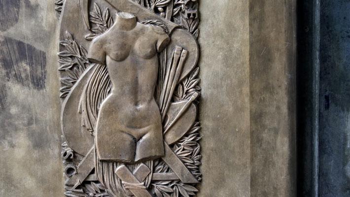 """Bas relief """"Sculpture"""", Porte, Musée Art Moderne, 75016 Paris, F,"""