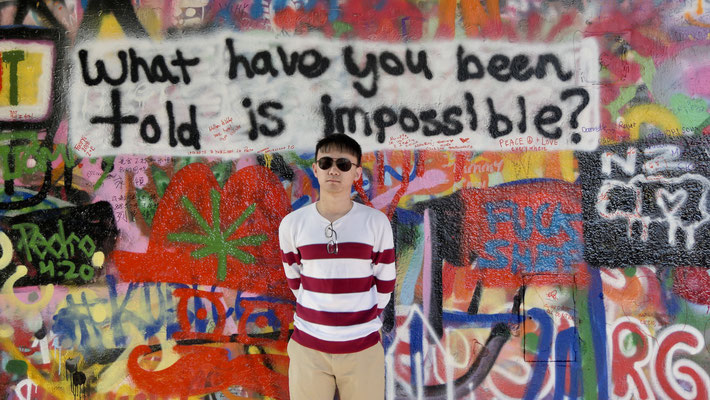 """""""Ce qui a vous avez dit est impossible"""", Graph Mur Lennon, Prague, Tchéquie, Cz"""