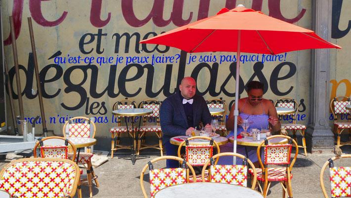 """""""Dégueulasse"""", Terrasse  cinéma MK2, Quai de Loire, Paris, F,"""