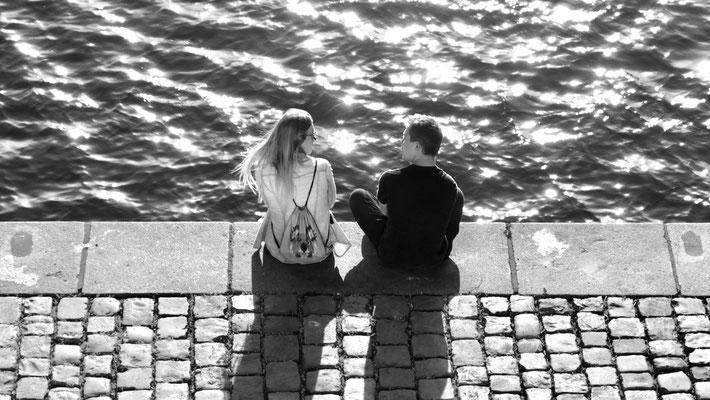 Couple,  Quai de la Vltava, Prague, Tchéquie, Cz,