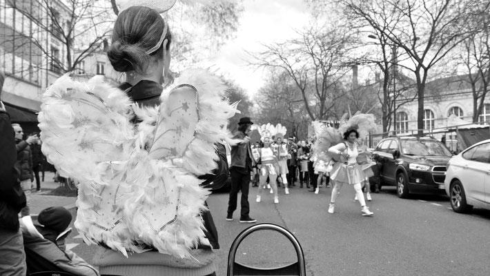 Ange, hommage à Joseph Koudelka, Carnaval de Paris,  Mars 2019,  Bd de Ménilmontant, 75020 Paris, F