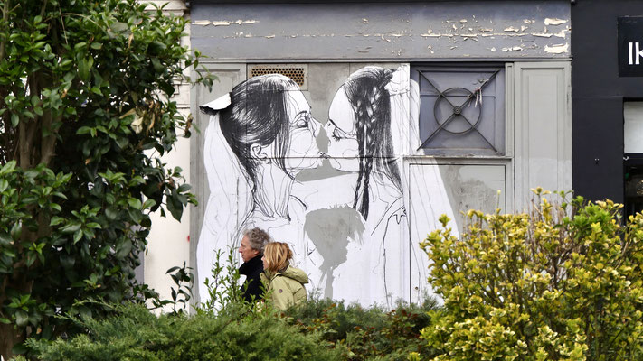 Graph, Couple, Quai de Valmy, Canal Saint Martin, 75010 Paris, F,