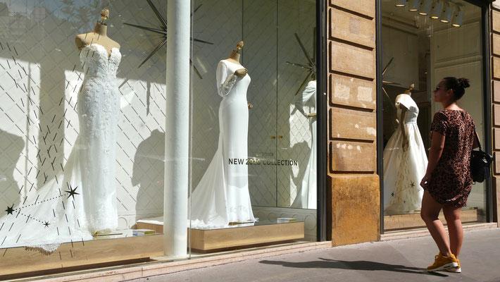 Robes de mariées, Mannequins, Place des Victoires, 75001 Paris, F,