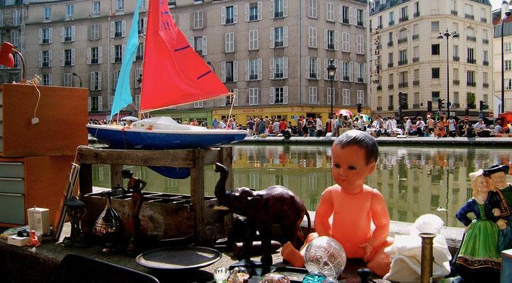 Brocante, Canal St Martin, 75010 Paris.JPG