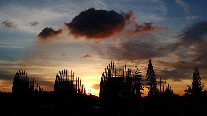 Sunset,  Centre Culturel Djibaou, Nouméa, Nouvelle Calédonie  .jpg