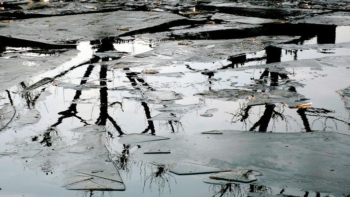 Reflets & Glace, Canal St Martin, Paris, F,P1050201.JPG.JPG