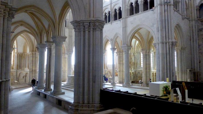 Basilique Sainte-Marie-Madeleine de Vézelay, Vezelay, F,