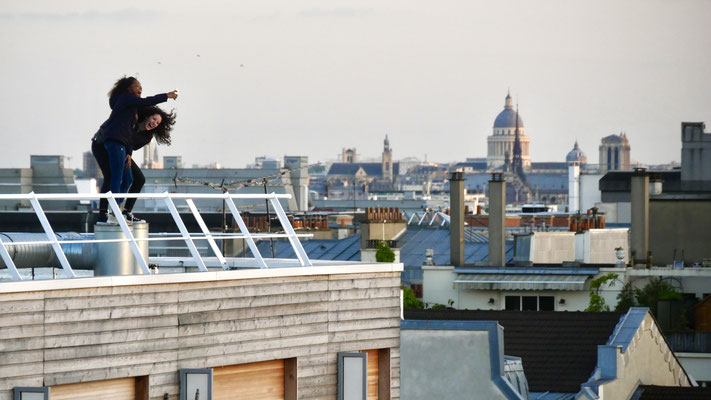Selfie addict !  Selfie, toit immeuble, Parodi, 75010 Paris, F,