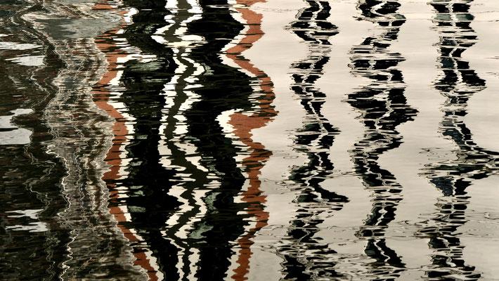 Reflets, Canal Saint Martin, 75010 Paris, F,