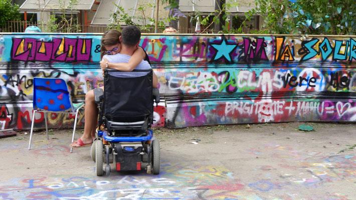 Couple grapheur, L' Aérosol, Lieu éphémère, 54 rue de l 'Evangile, 75018 Paris, F,