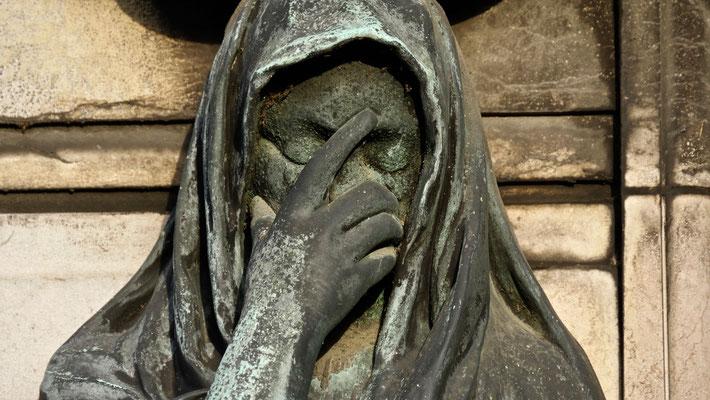 Pleureuse, Sépulture Famille Ponsat, Cimetière du Père-Lachaise, 75020 Paris, F,