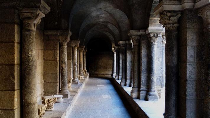 Cloître , Cathédrale du Puy, Le Puy en Velay, Auvergne, F, 1000655.JPG