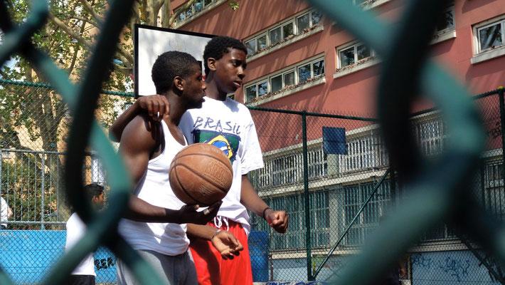 Basketteurs, Canal Saint Martin ,75010 Paris, F,
