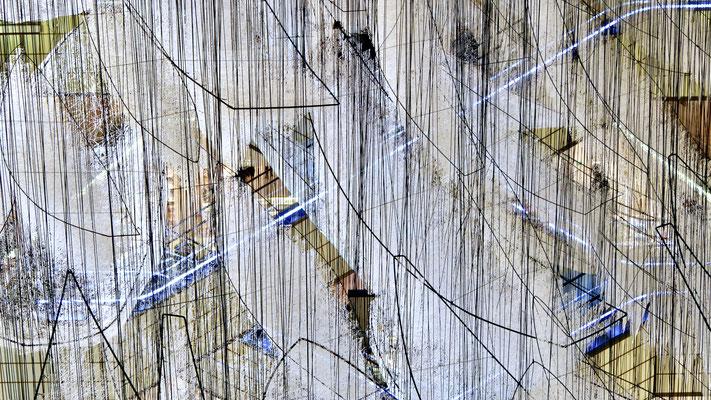 Escalators, Exposition Chiharu Shiota, Bon Marché,  75006 Paris, F,