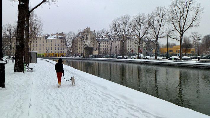 Lou, Virgule, Neige, quai de Jemmapes, Paris, F,  P1000086