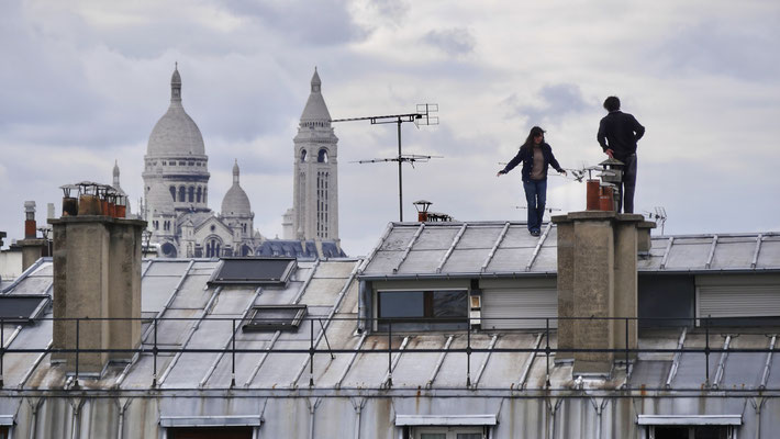 Couple, Toits Parodi, 75010 Paris, F,