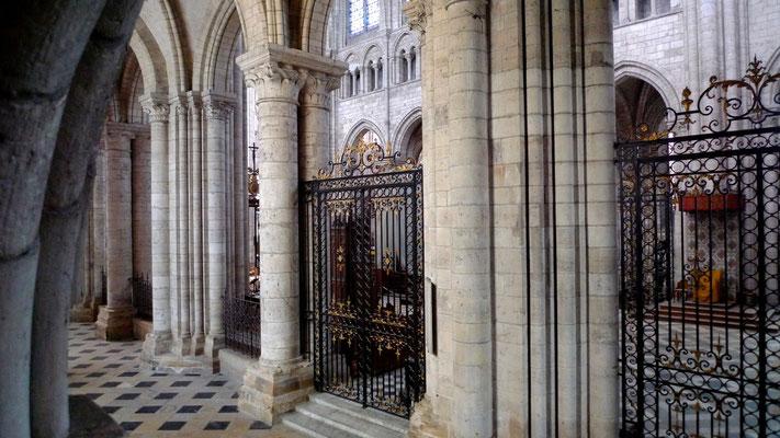 Cathédrale de Sens, Fr, P1110335.JPG.jpg