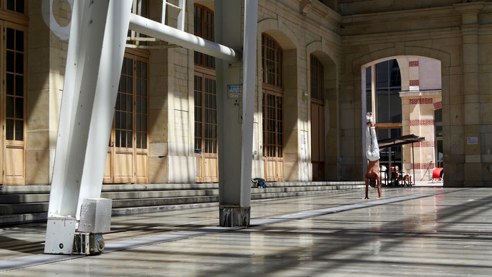 Equilibriste, Le Centquatre, 75019 Paris, F,