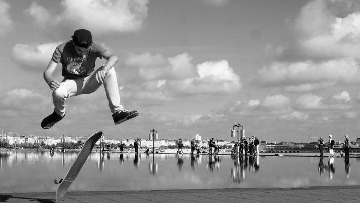 Nathanael, skater, Bassin miroir de Bordeaux, F, Version 2