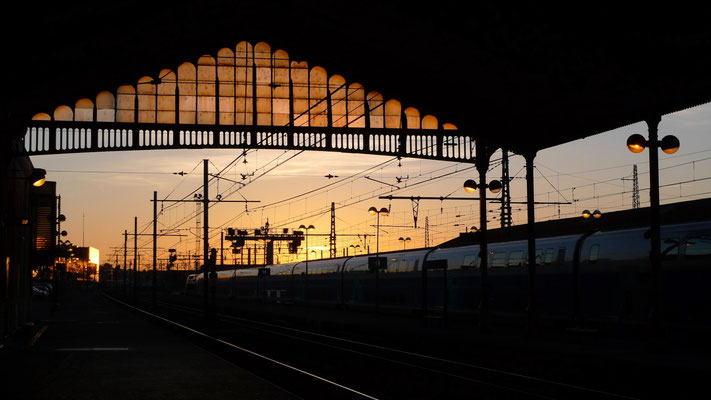 Sunset, Gare de Béziers, F,  P1160225.JPG