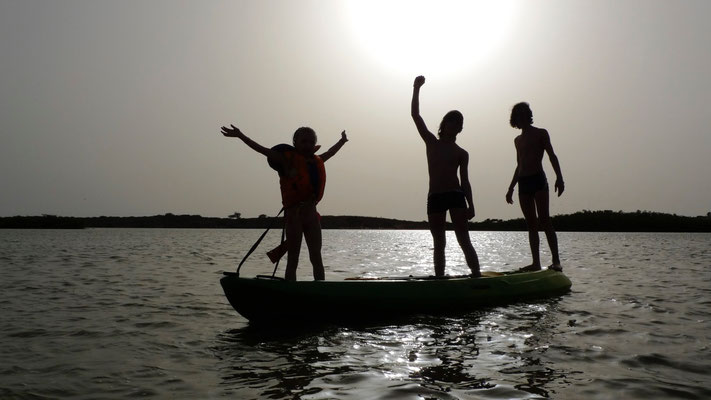 Lou, Jules, Tom, Canoé lagune,  Le Baobab, La Somone, Senegal, Sn,  P1080910.JPG.jpg