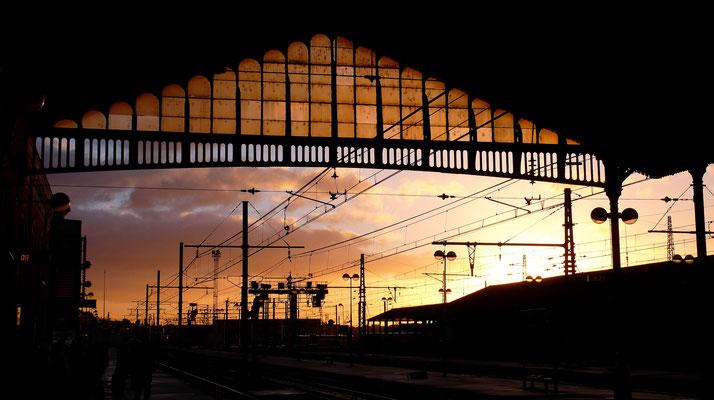 Sunset, Gare de Béziers, F, P1040943.JPG.JPG