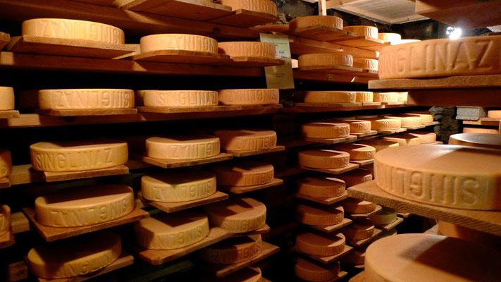 Fromages, L'Alpage de Singlina, Zinal, Anniviers, Valais, Ch, P1130392.JPG