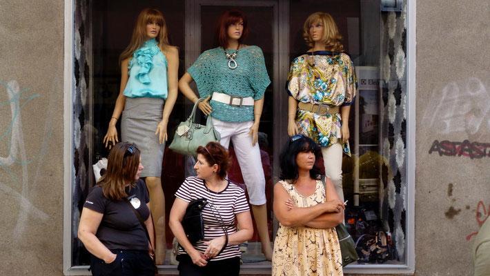 Femmes 3 & 3 mannequins, Ostrava, Rep. Tchèque, Cz,   P1030526.JPG