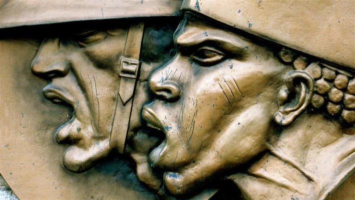 Bas relief, Monument millitaire,Caserne Joffre,  Perpignan, F,P1050044.JPG