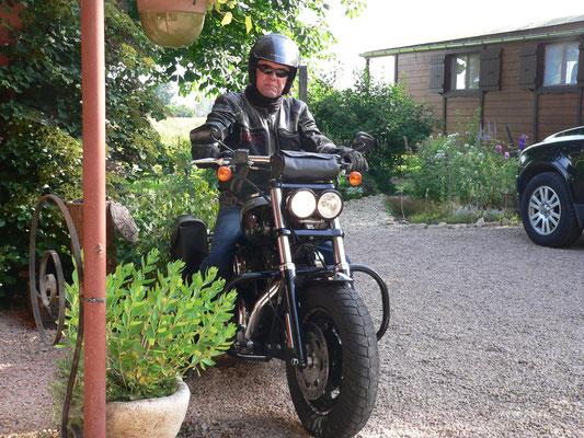 18.06. Pit fährt mit seiner Harley Davidson wieder nach Hause