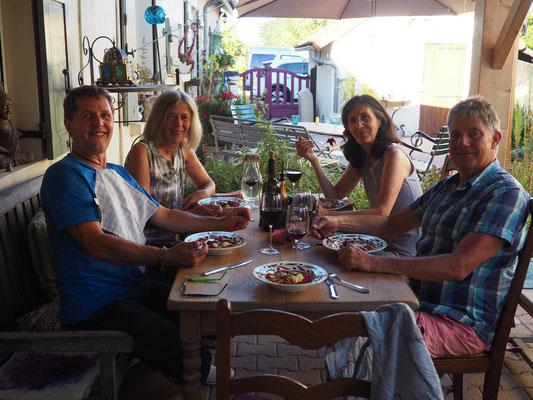 Gemeinsames Abendessen mit Peter, Sonja, Paula und Marcel