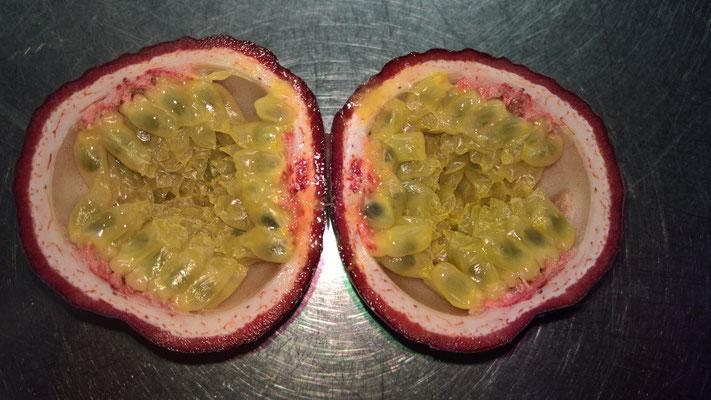 Die Passionsfrucht, bzw. Maracuja sieht wundervoll aus