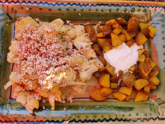 Ayurvedische Bratkartoffeln mit Blumenkohl-Curry-Crunch