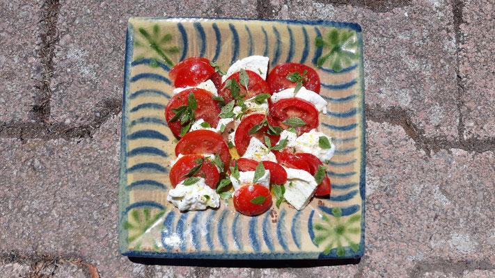 Der erste Caprese in diesem Jahr - noch nicht mit eigenen Tomaten