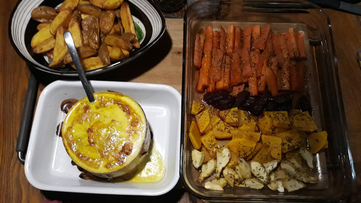 Vacherin Mont d'Or aus dem Ofen mit Ofengemüse