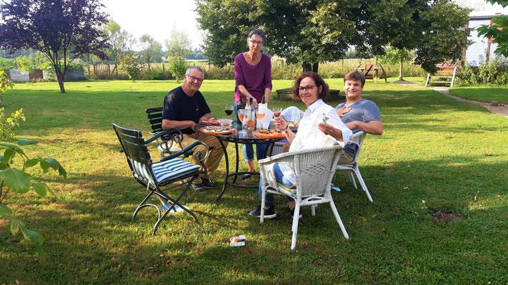 06.07. mit Pit, Pia, Brigitta und Paul - Pizzaessen