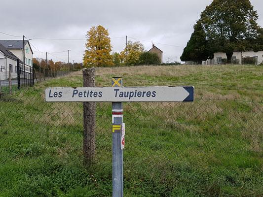 Rue des Petites Taupières - Weg der kleinen Maulwürfe (-Hügel)