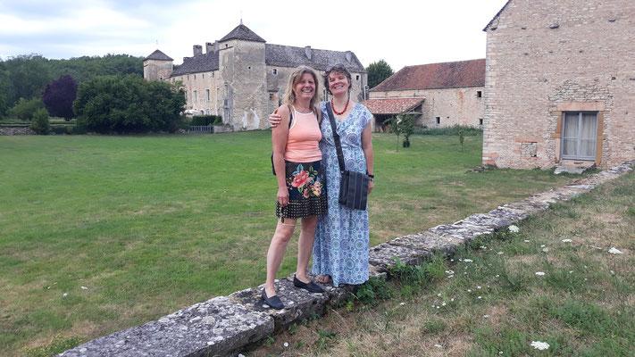 Monika und Maren in Ozenay -Juli und August