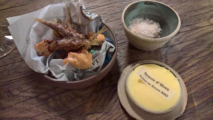 Drittes Amuse-geule: Fischchen aus der Seille, mit Butter aus der Bresse und geräuchertem Salz
