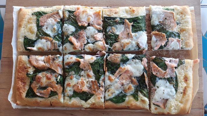 Und dann mal wieder eine leckere, selbst belegte Pizza