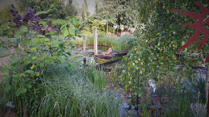 der Drachen, der den Teich beschützt